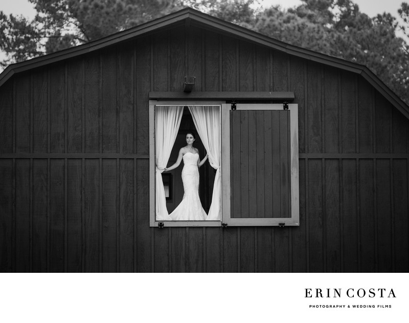 Bridal Photos Barn at Rock Creek