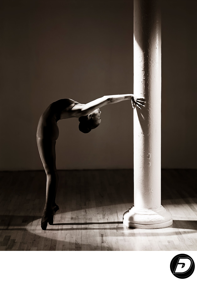 Pillar Ballet Dancer On Toe Photographer