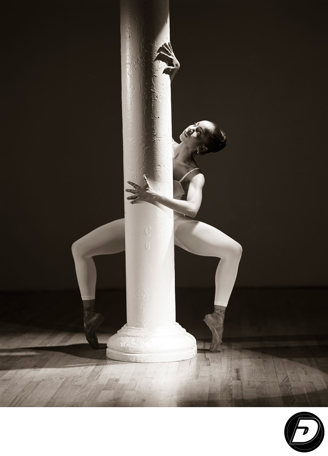 Pillar Ballet On Toe Photographer