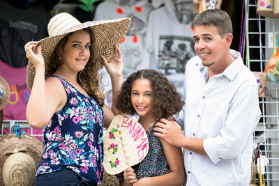 Nassau Bahamas Straw Market Family Photographer