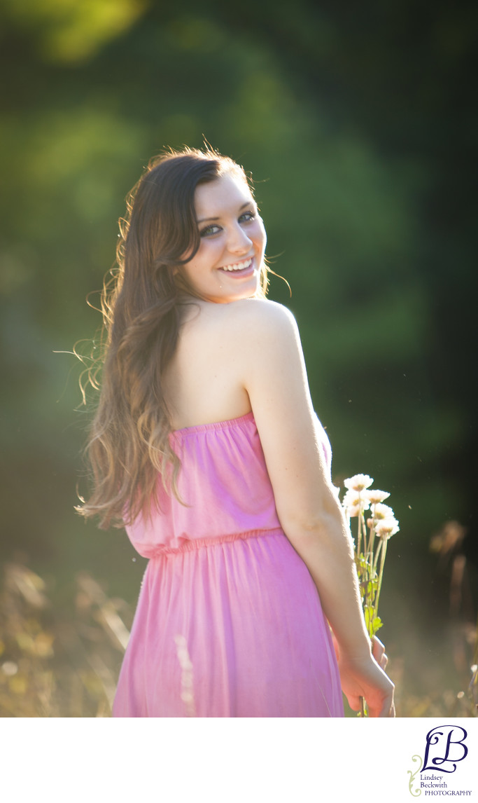 Daisy field senior portrait