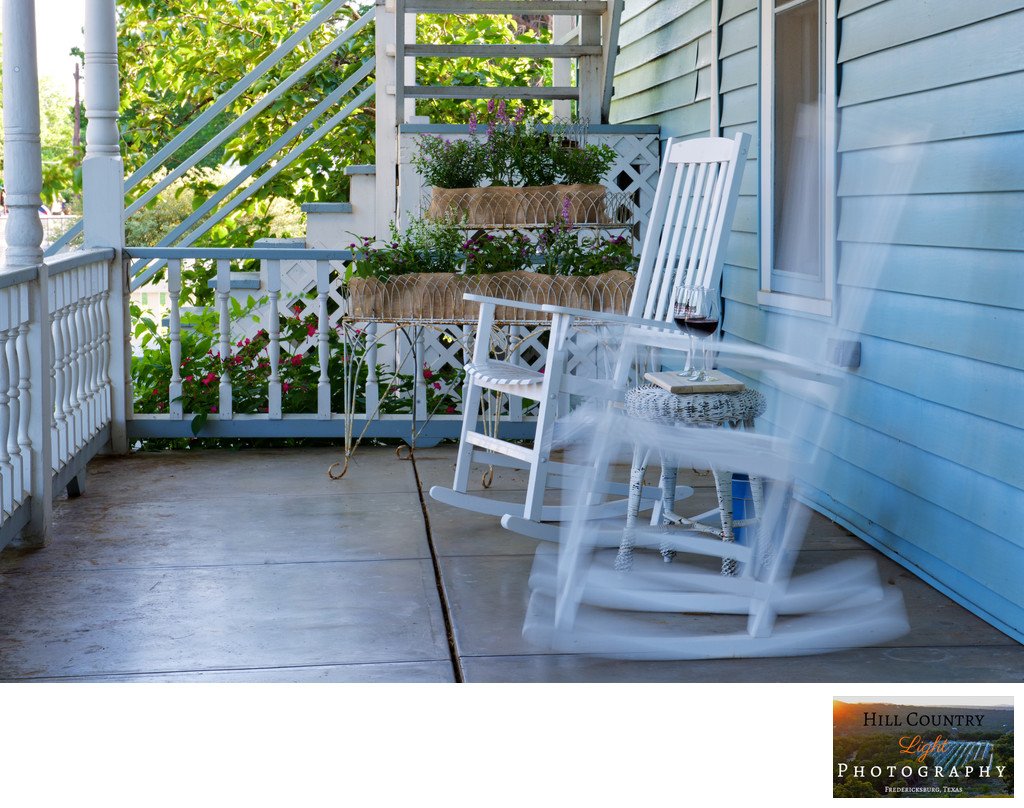 Dalton House B&B Fredericksburg front porch rocking chair