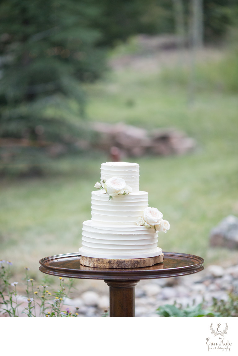 White Wedding Cake Photo