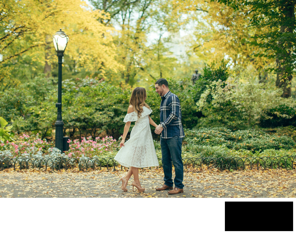 fall engagement photo in Central park by sean kim