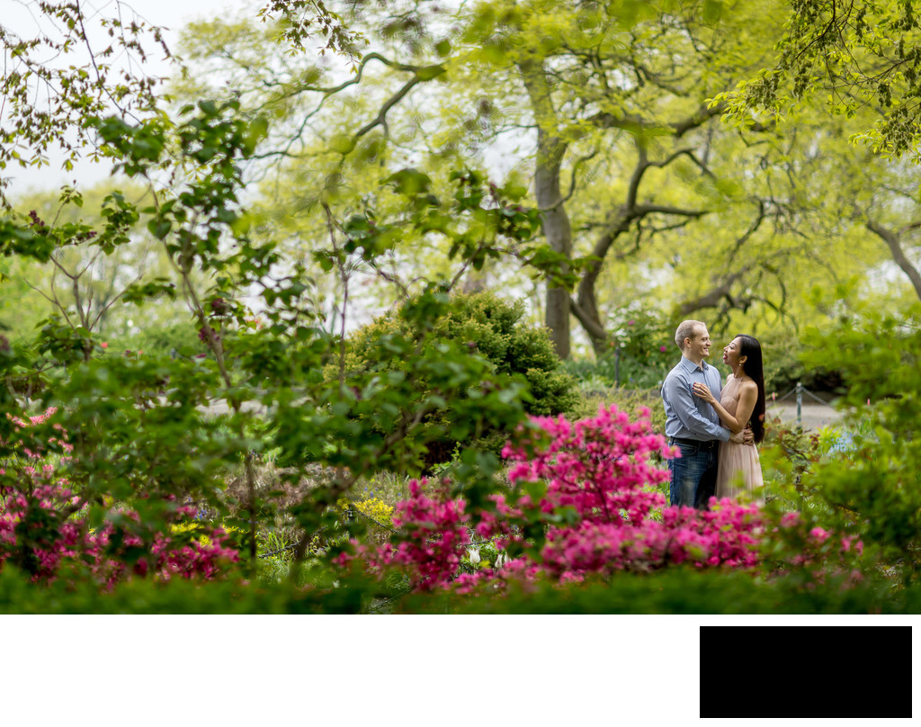Fort Tryon Park Engagement Photo by Sean Kim