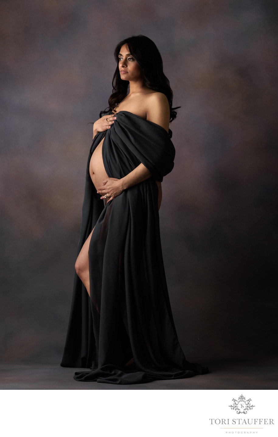 Maternity Photography Philadelphia Dark Grey Fabric
