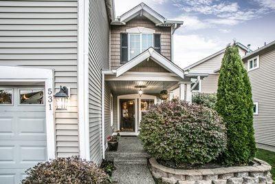 Seattle and Skagit County Real Estate Photography Photographer Front Entrance