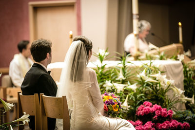 Wedding Photographer for Holy Family Catholic Church Kirkland | Seattle