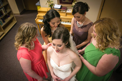 Wedding Photographers for Holy Family Catholic Church Kirkland | Seaettle