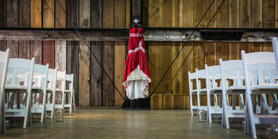 Wedding Pictures at Pickering Barn Issaquah in Sammamish
