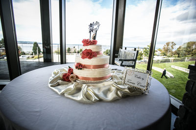 Mukilteo Wedding Cake Photographer | Rosehill Community Center