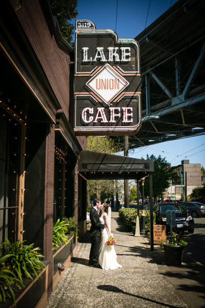 Lake Union Café Seattle Wedding Photo