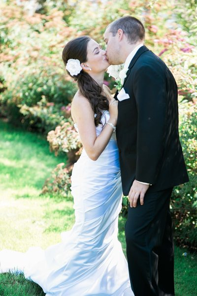 Hire Green Gates at Flowing Lake Wedding Photographer