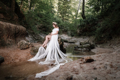 Stunning outdoor maternity shoot
