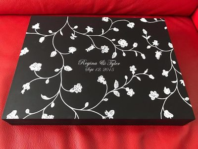 Custom designed wedding albums made in Italy branches