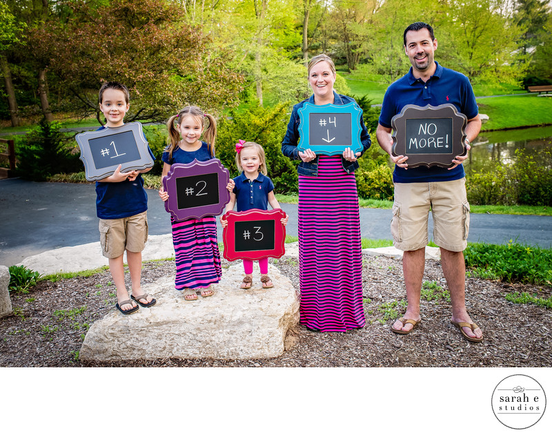 Family Photographer of Pregnancy Announcement