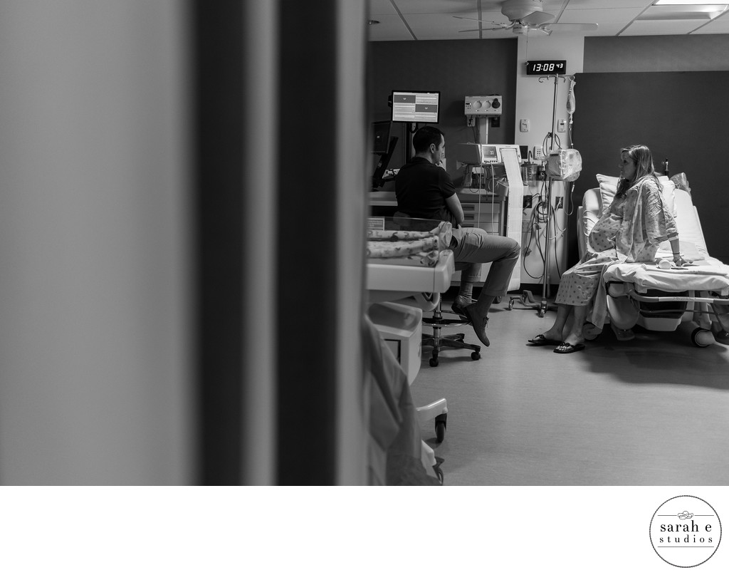 Pullback Storytelling Image During Mercy Hospital Birth Session
