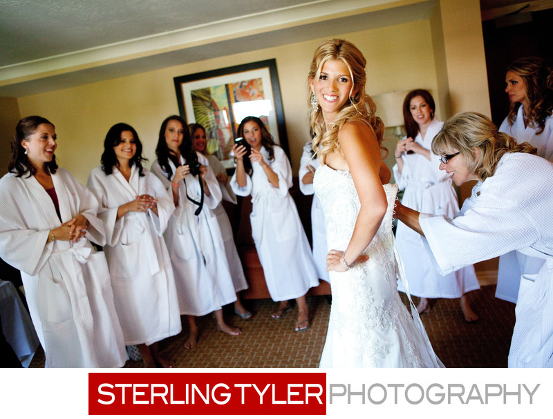 wedding photography bride getting ready