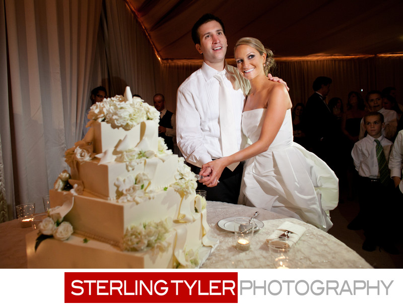 white wedding cake cutting los angeles wedding photo