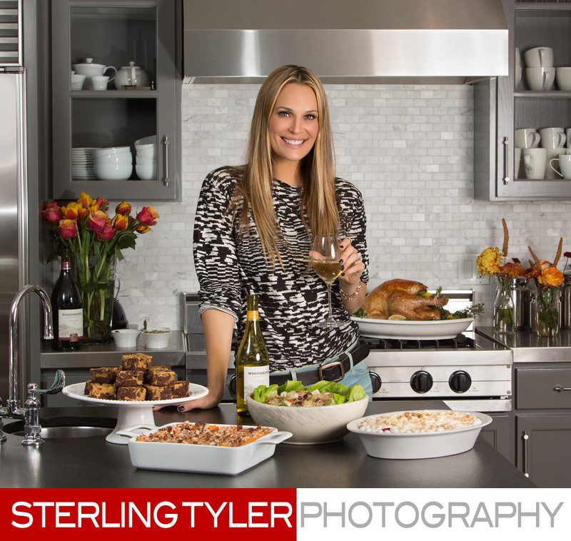 molly sims friendsgiving with woodbridge wines headshot