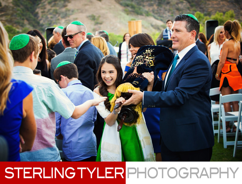 bat mitzvah girl marching with torah los angeles bar mitzvah photographer