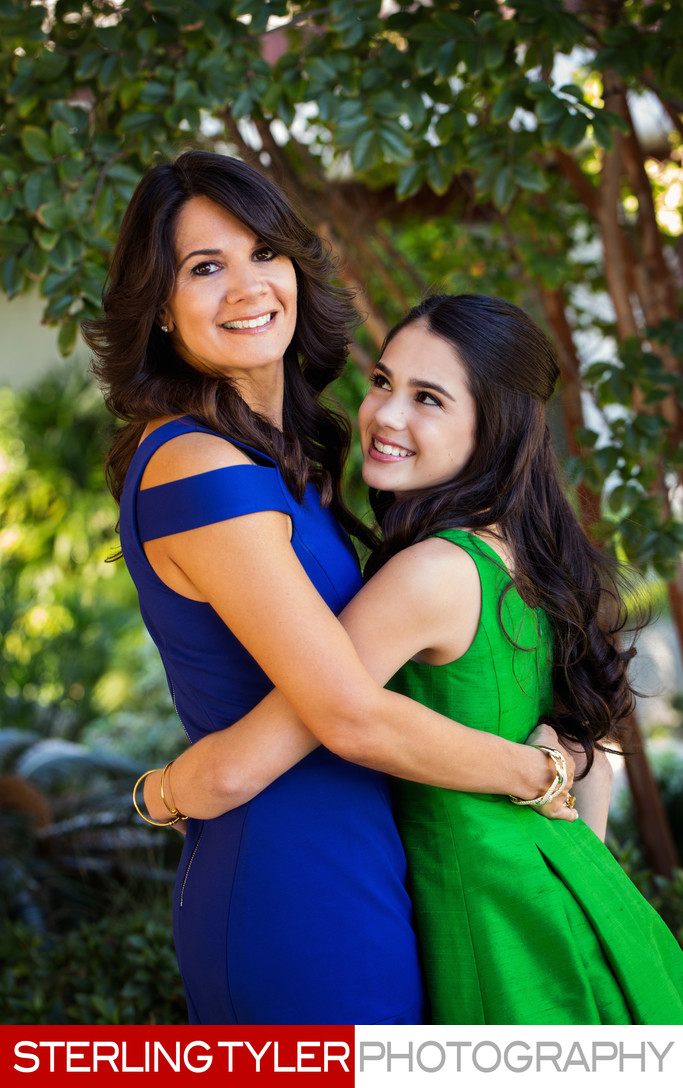mother daughter portrait at mountaingate country club