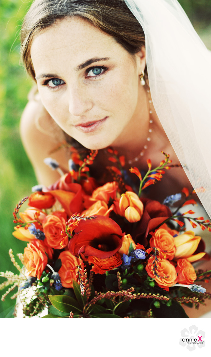 Bride and bouquet in Glenbrook