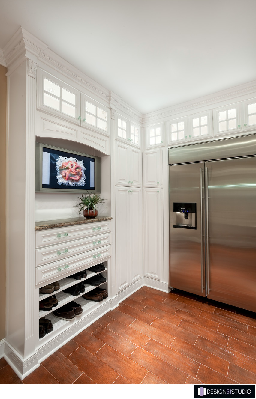TRADITIONAL EPPING FOREST KITCHEN - SHOE CUBBY - HOLLY WIEGMANN - DESIGN 51 STUDIO