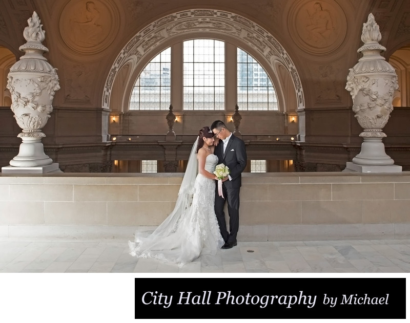 Romantic wedding photography at SF City Hall