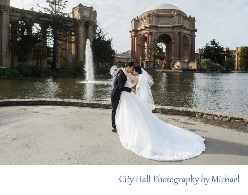Palace of Fine Arts in San Francisco - Wedding Sample Image