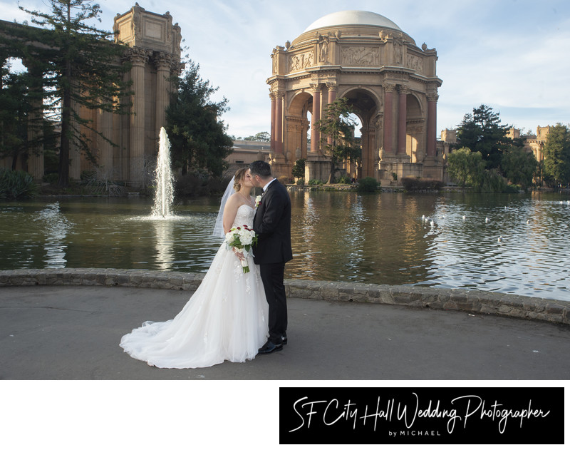 Wedding Photography in Front of the SF Palace of Fine Arts