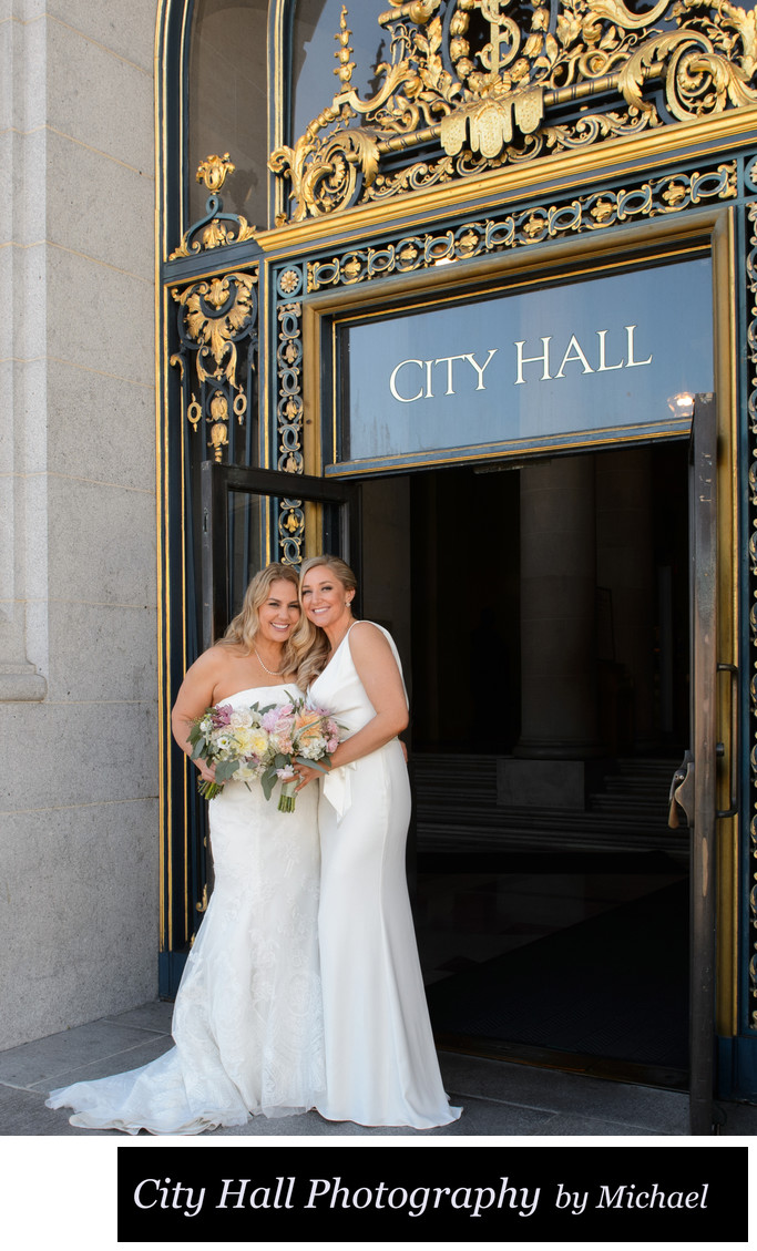 Lesbian wedding photography at SF City Hall