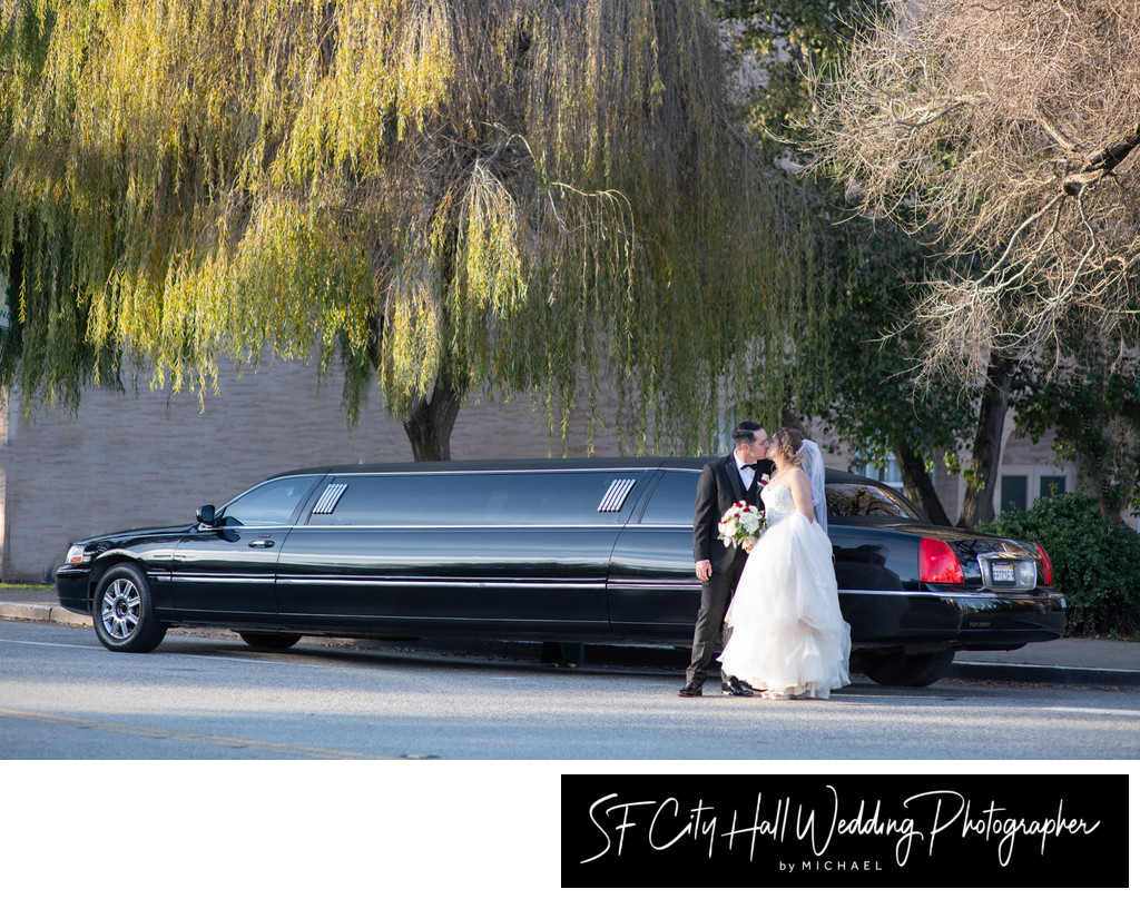 Limousine Kiss in front of the Palace of Fine Arts in San Francisco