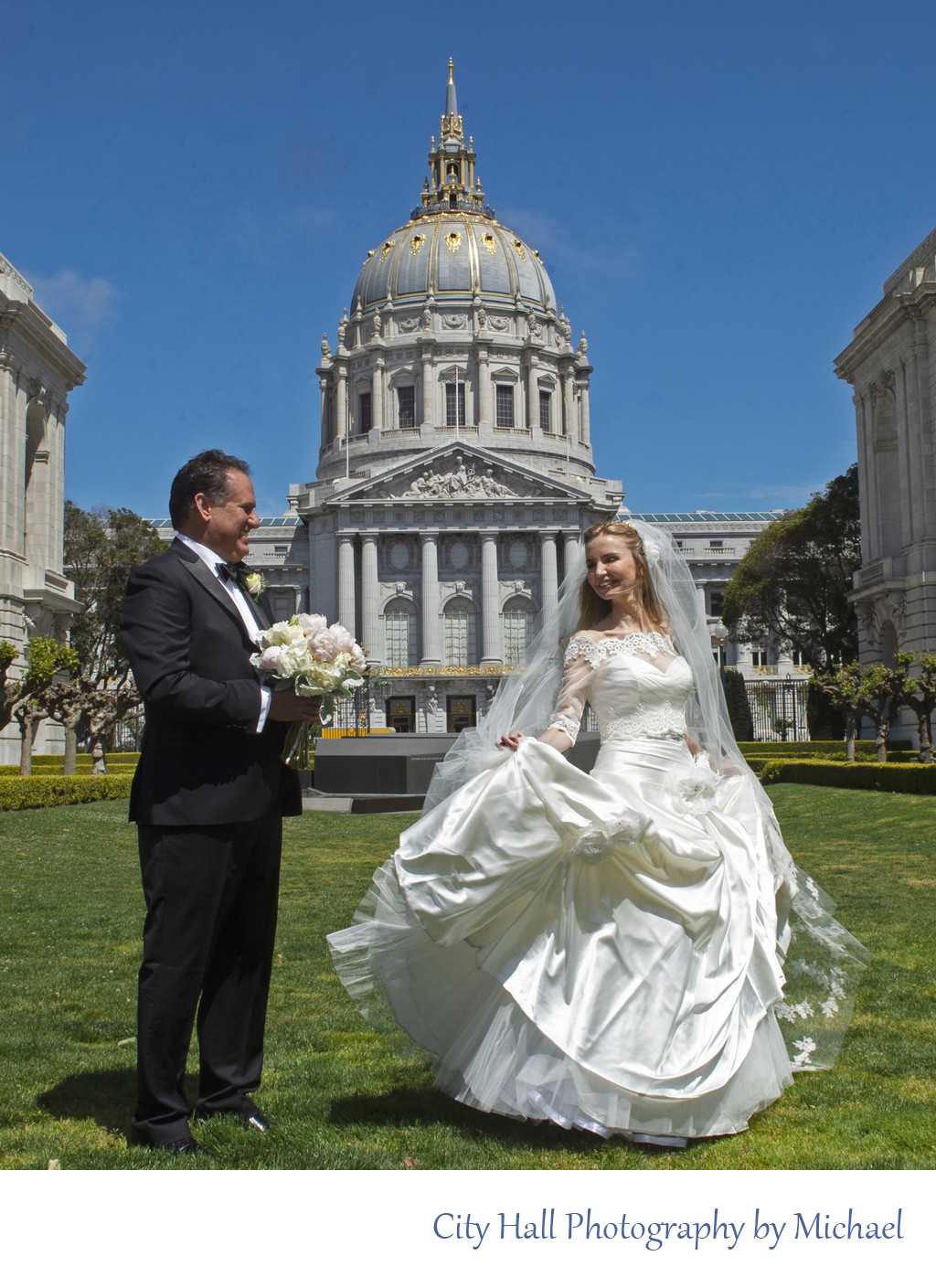 San Francisco City Hall Wedding Photographer - Exterior Image
