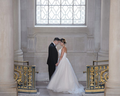 San Francisco City Hall Romantic image Bride and Groom