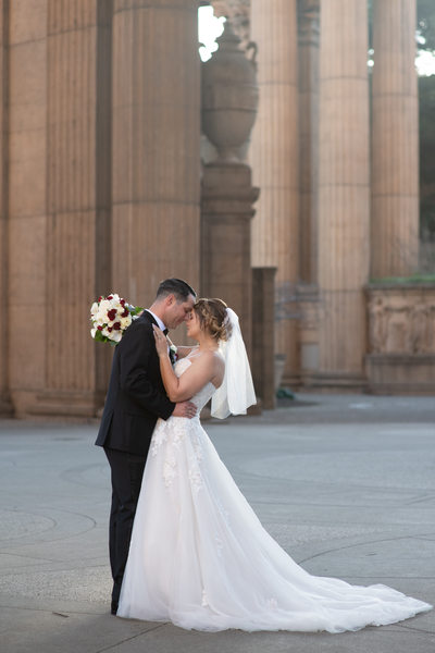 Romantic Wedding Photography at the Palace of Fine Arts
