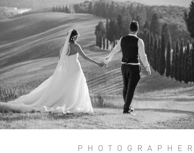 Tuscany hills wedding walking portrait
