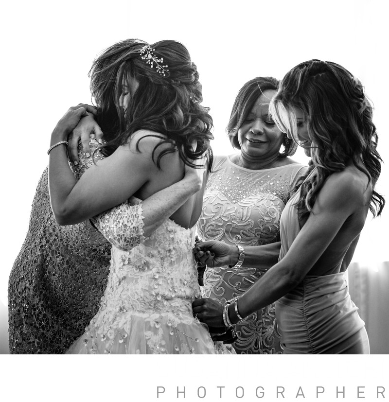 bride getting ready emotional moment with her family