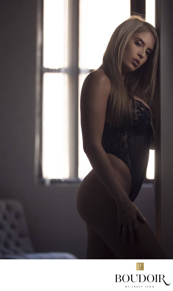 black bodysuit//maddie moore//boudoir photo