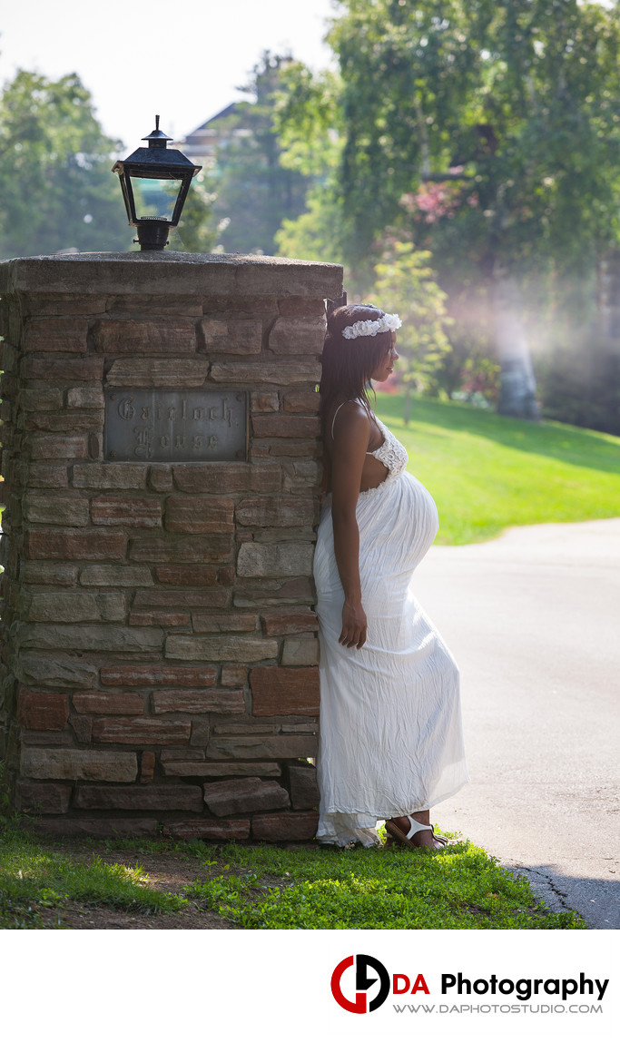 Contemporary Maternity Portrait at Gariloch Gardens