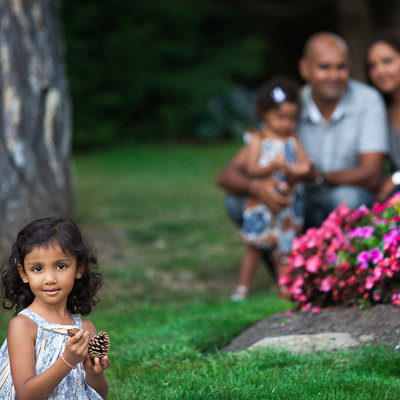 Family Photographers at Gairloch Gardens in Oakville