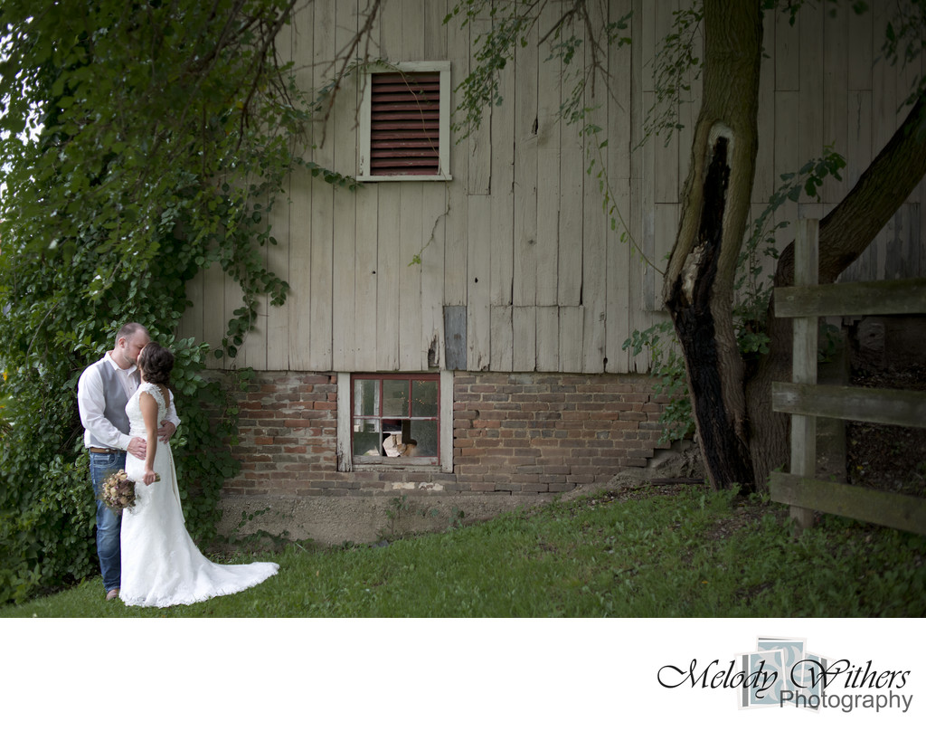Indiana-Barn-Wedding-Stoney-Creek-Noblesville-Photographer