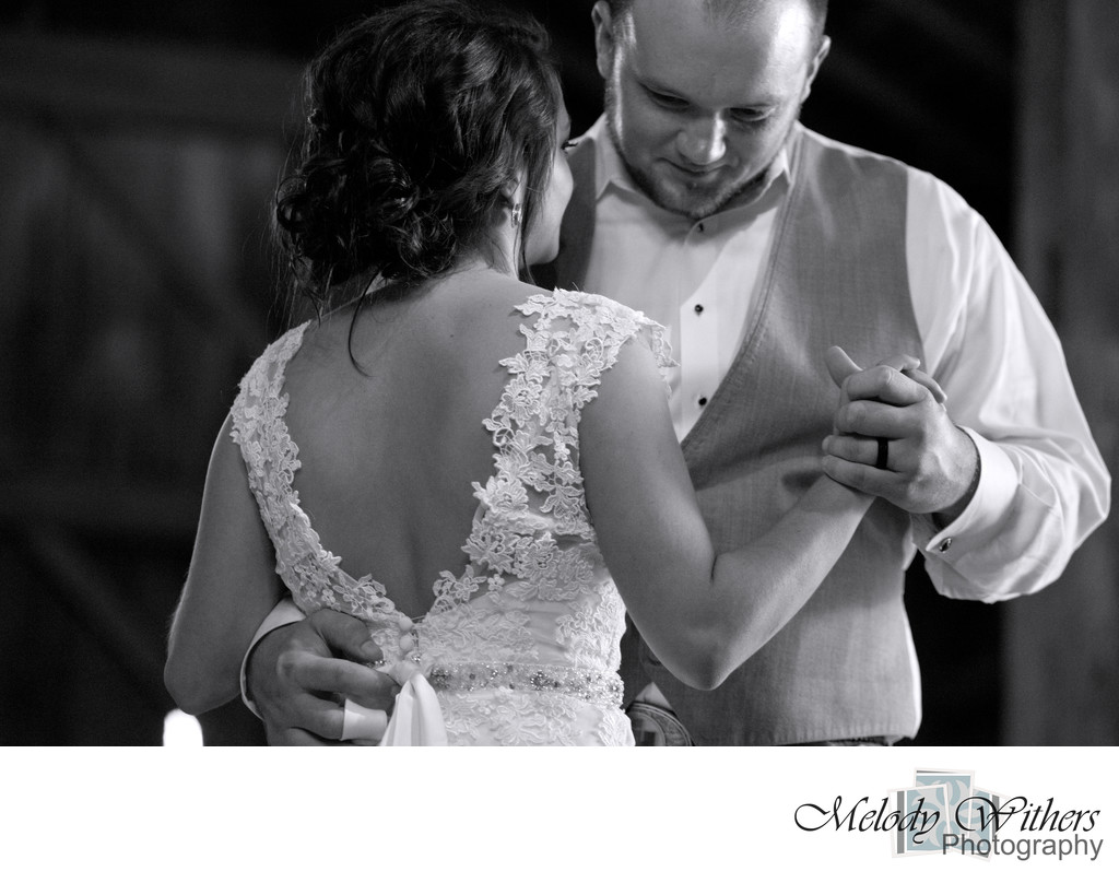 Noblesville-Barn-Wedding-Photographer