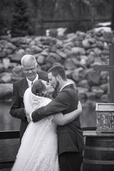 Kiss-O-Ace-Is-Bunker-Hill-Indiana-Wedding-Photographer