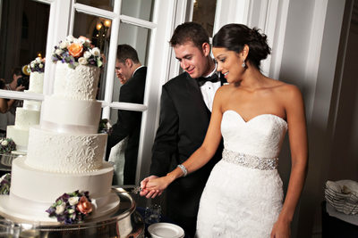 georgian terrace wedding cake cutting