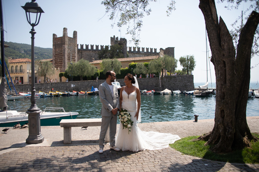 The bride and her brother before the wedding in Torri