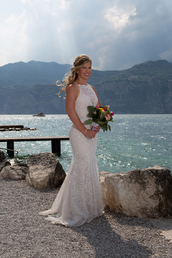 Magnificent weddings abroad.