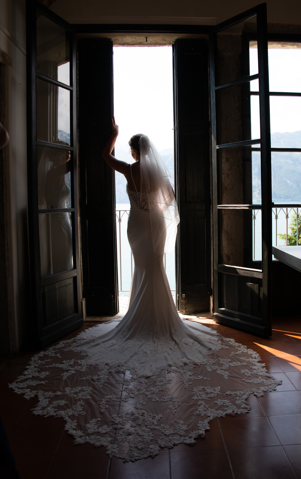 Superb bride in the door.  Weddings in Malcesine, Italy