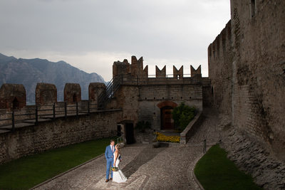 Seductive and romantic weddings in small Castles.