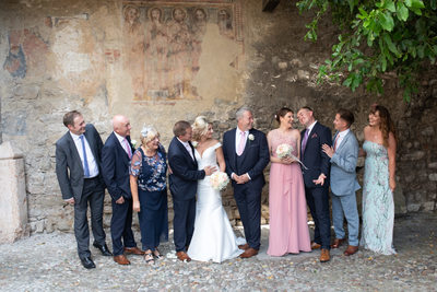 Relaxed group photos in Malcesine Castle